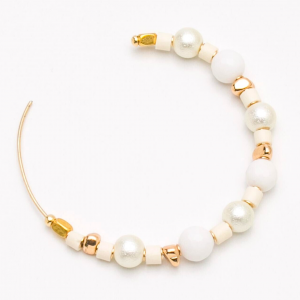 Cleopatra Hoops Pearls Howlite Close Up Image