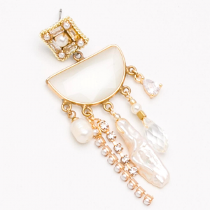 Moonstone and Pearl earring
